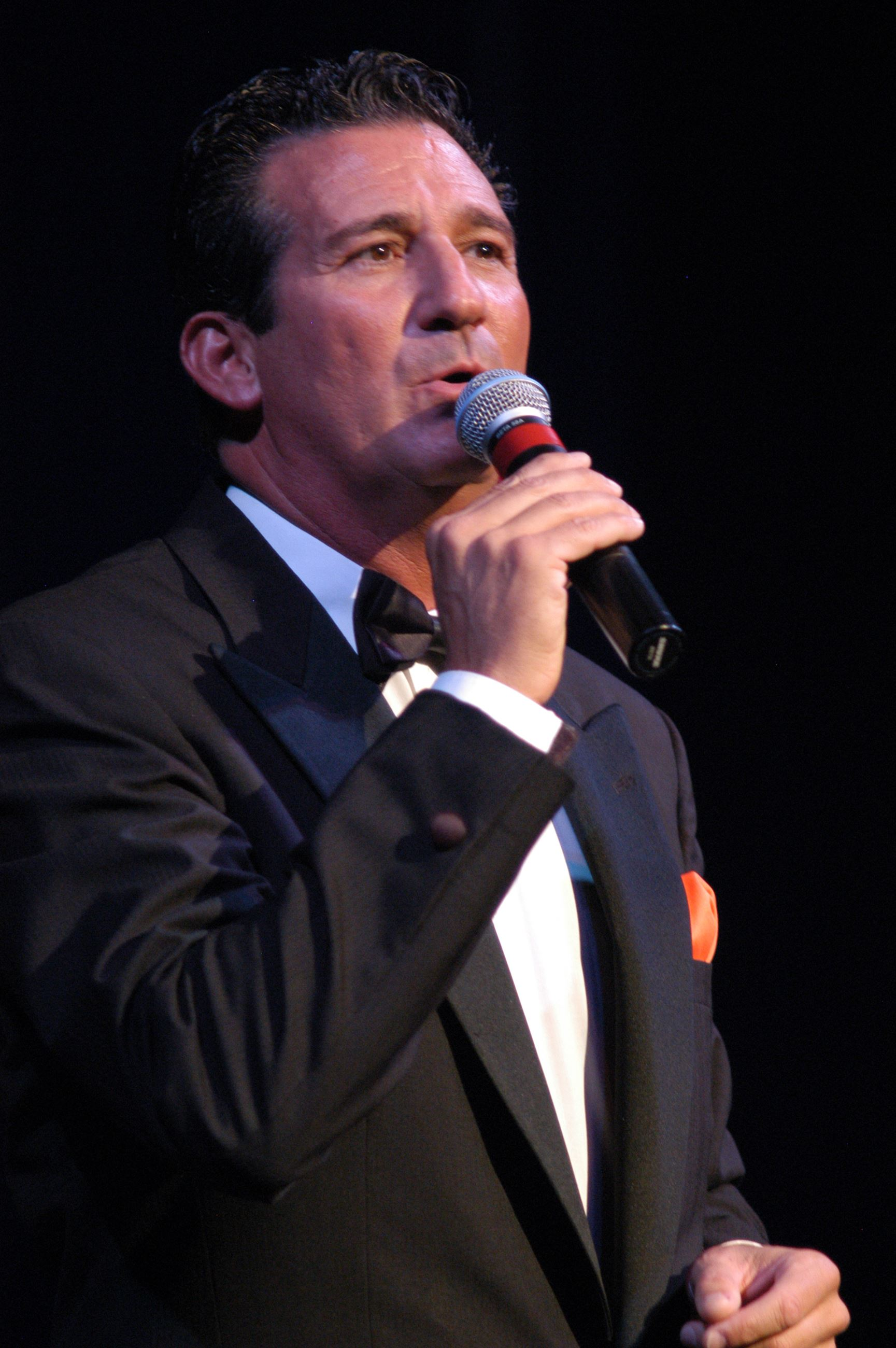 Rick_Michel singing Frank Sinatra on stage